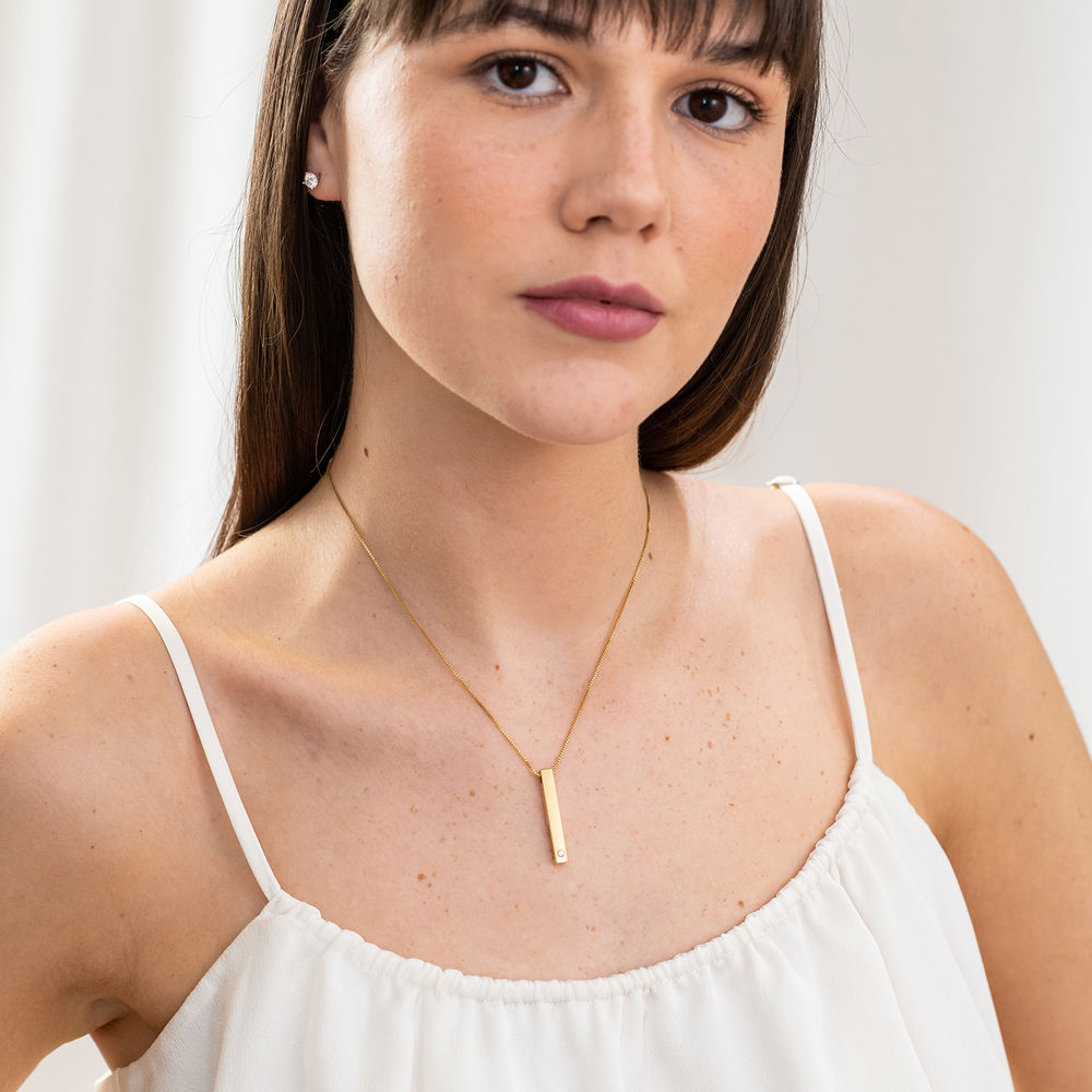 Vertical 3D Bar Necklace in 18k Gold Vermeil with a Diamond - 4