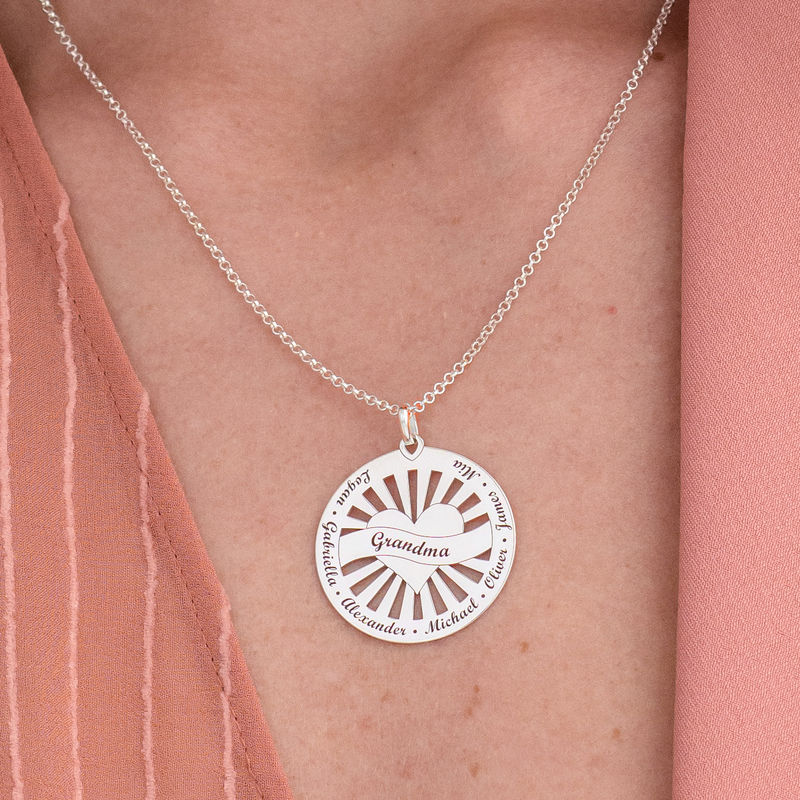 Grandma Circle Pendant Necklace with Engraving in Sterling Silver - 2