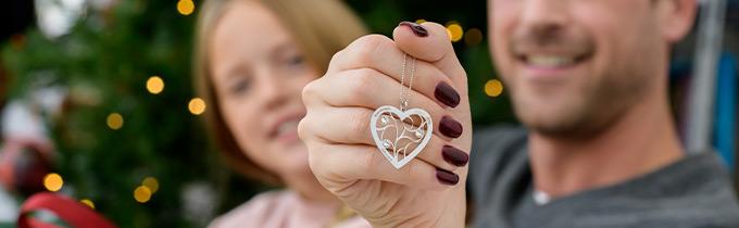 Family & Tree of Life Jewelry